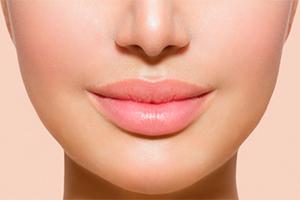Как осветлить губы в домашних условиях – 12 доступных средств