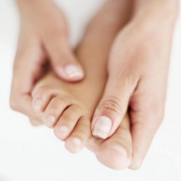 Немеют ноги при сахарном диабете: причины и лечение онемения