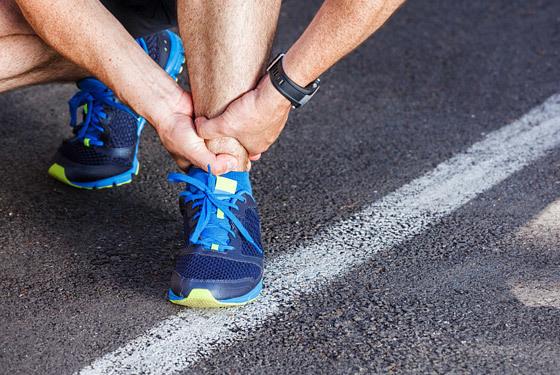 Болят суставы после тренировки - боль в тазобедренном суставе при растяжке, после бега