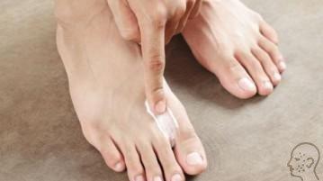 Кремы и мази от грибка на ногах - обзор хороших и недорогих средств, отзывы