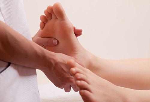 Поперечное плоскостопие: симптомы, лечение, фото