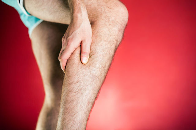 Тромбоз глубоких вен нижних конечностей: симптомы, лечение, фото, диагностика, причины