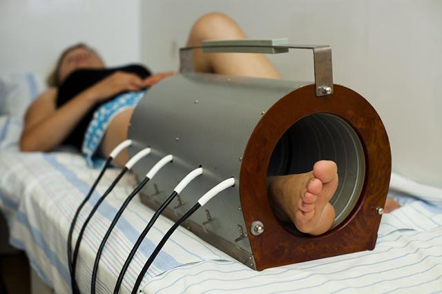 Магнитотерапия для суставов: показания, противопоказания, отзывы