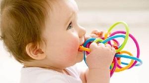 Кал зеленого цвета у ребенка: причины и способы устраниения