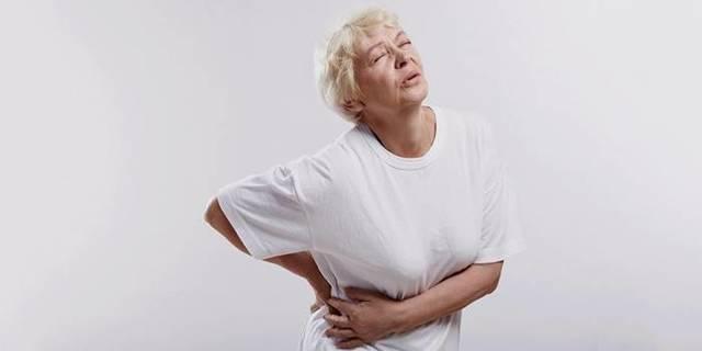 Болит в правом боку на уровне талии: о чем может свидетельствовать состояние