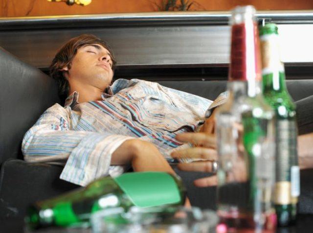 Отравление алкоголем: что делать в домашних условиях