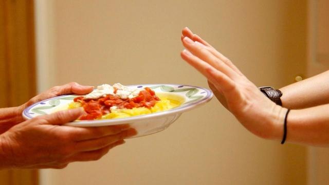 Нет аппетита: причины у взрослого, опасность и способы лечения