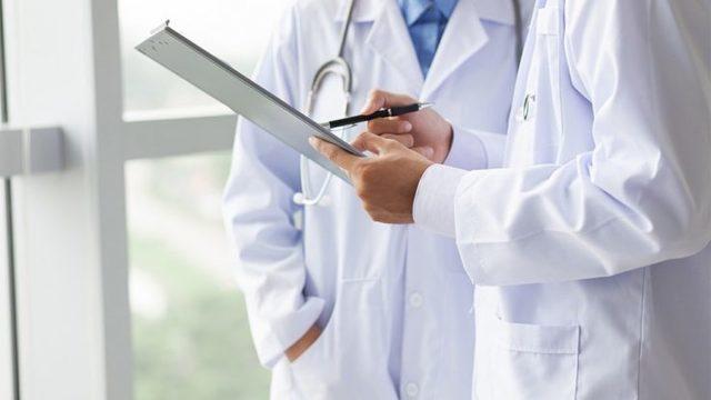 Осмотр проктолога у мужчин: в каких случаях обращаться к врачу